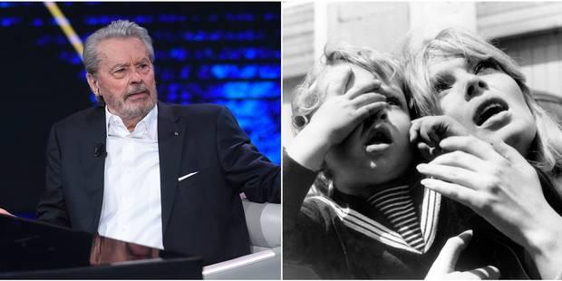Alain Delon : Son fils présumé évoque sa vie rock'n'roll auprès de sa mère, la chanteuse Nico - La DH