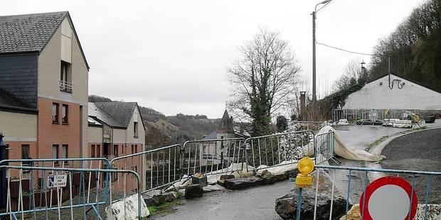 Dinant : une route et un mur effondrés depuis 2013 ! - La DH